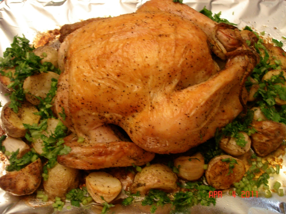 Roast Chicken with Potatoes and Garlic (1/2)