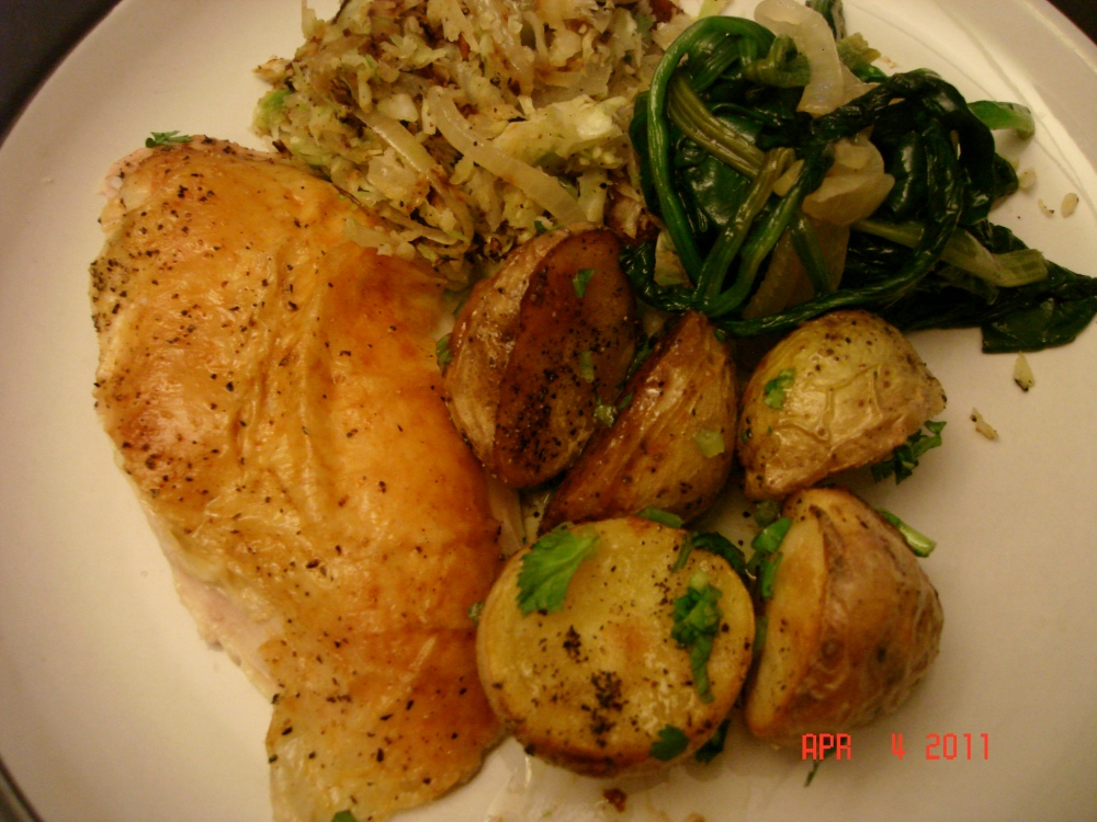Roast Chicken with Potatoes and Garlic (2/2)