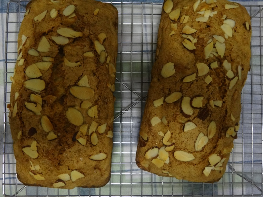 spicy apple bread
